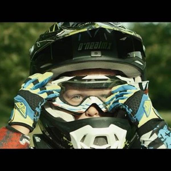 Evil Ozzy ridin' his MX bike. Watch full movie. Link in bio. @rob.cic @gregor_b79 @meistermattes @studiostevephotos #evilozzy #33 #5yrold #motocross #mx #motox #motofun #movie #r3d #motorcycle #yamaha #wirsinddieguten